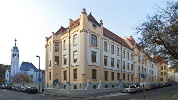 Fasada_Gymnazium_Grosslingova_Bratislava